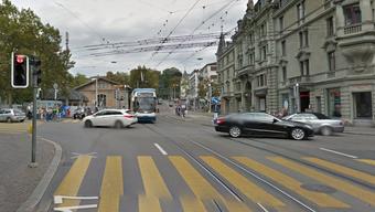 Beim Heimplatz vor dem Schauspielhaus kam es zu einem schweren Verkehrsunfall.
