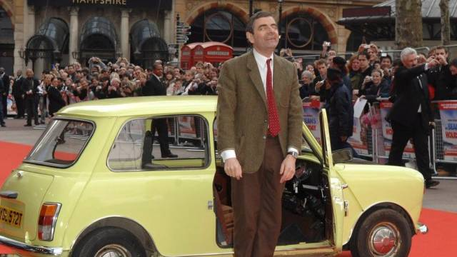 Mr Bean, hier mit seinem Werktagsauto (Archiv)