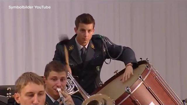 Verpasster Einsatz: Darf Armee Militärmusikanten büssen?