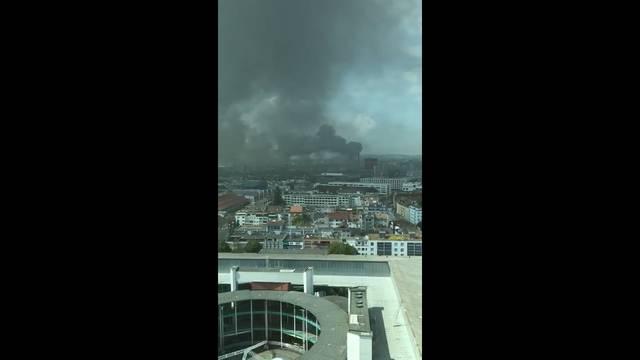 Brand am Basler Rheinhafen: die Leservideos