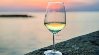 Mit diesen Tipps mundet der Ferienwein auch zuhause.