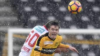 Unerschrocken: Michel Aebischer im Schneegestöber gegen Sion.