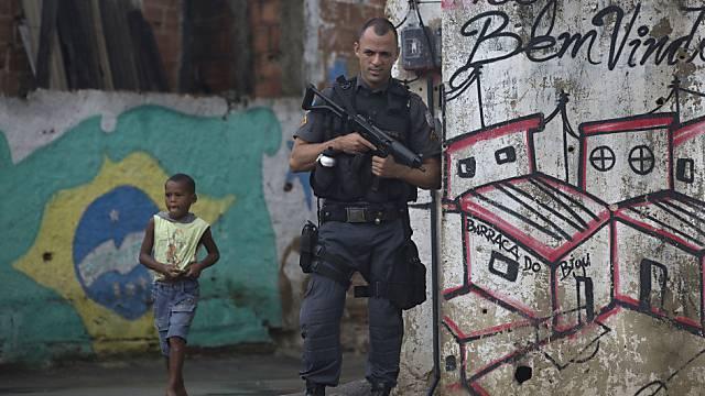 Polizeieinsatz in einem Slum in Rio de Janeiro (Archiv)