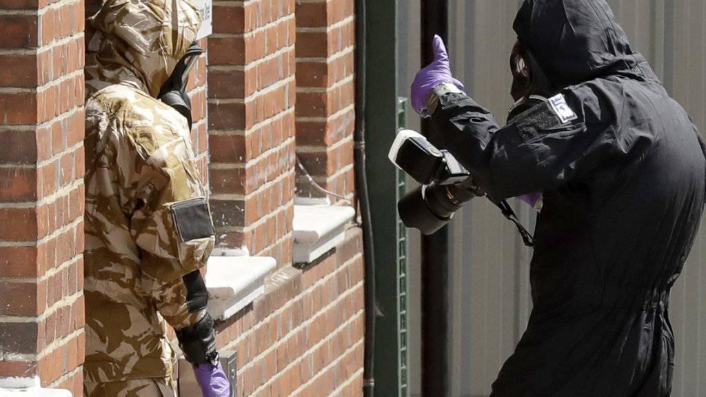 Spezialisten an der Arbeit in Salisbury nach dem zweiten Vergiftungsfall. (Archiv)
