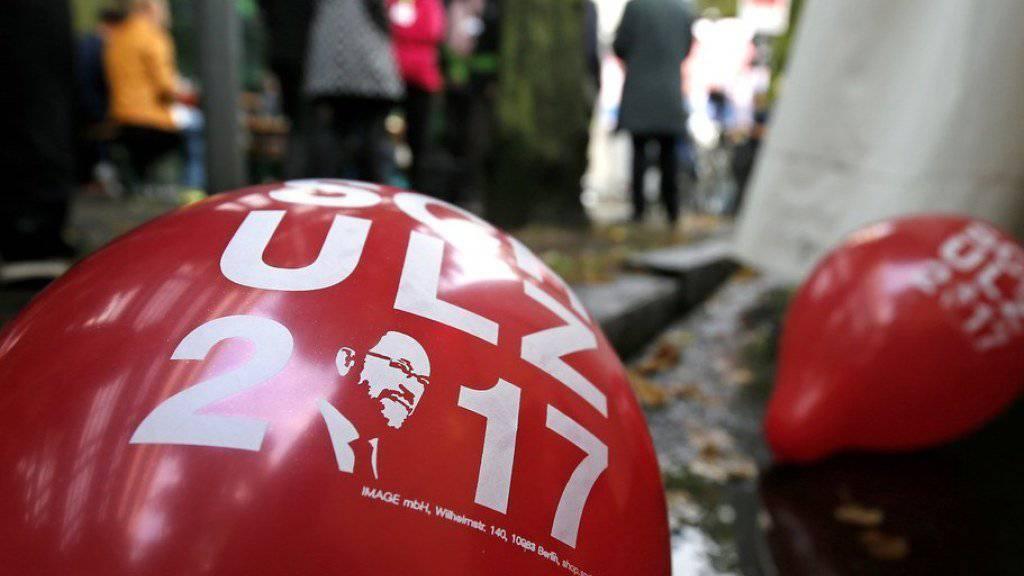 Die SPD fährt bei den Bundestagswahlen in Deutschland eine schwere Schlappe ein. Die Partei zieht daraus die Konsequenzen und will in die Oppositon gehen.