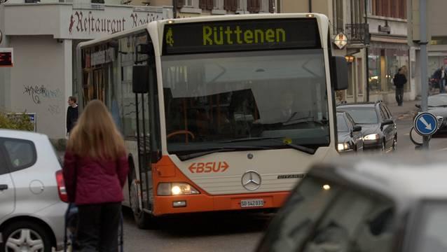 Der Gesuchte soll sich mehrere Stunden im BSU-Linienbus 4 zwischen Zuchwil und Rüttenen aufgehalten haben.