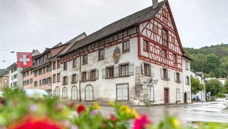 Hier lagert das Material, das 13 Kantone haben möchten: Dieses Riegelhaus aus dem 17. Jahrhundert in Bad Zurzach ist Sitz der Stiftung für Forschung in Spätantike und Mittelalter.
