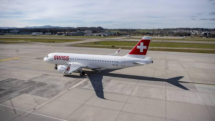 Ein Flugzeug der Swiss am Flughafen in Zürich.