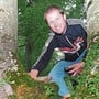 Meinrad Sutter beim Geocaching in den Wäldern von Zeihen.