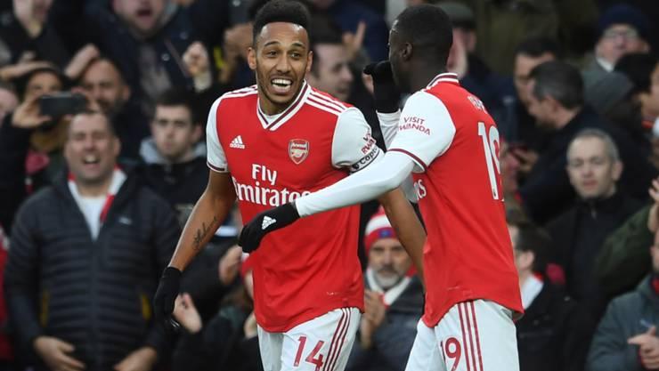 Arsenals Doppeltorschütze Pierre-Emerick Aubameyang jubelt über seinen ersten Treffer gegen Everton