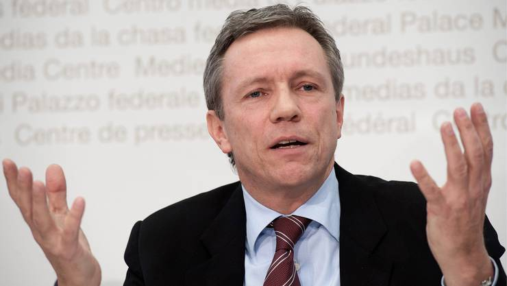 Der Chefjurist des Bundes, Martin Dumermuth, hält die Debatte über das Notrecht teilweise für überzogen.