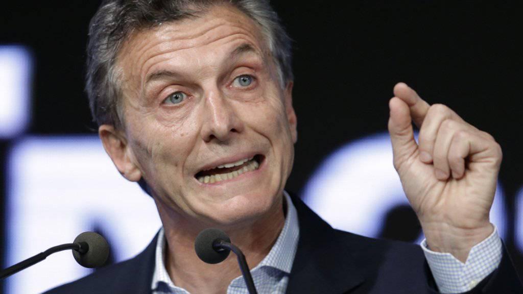 Argentiniens neuer Präsident Mauricio Macri macht sich daran, die Wirtschaft des Landes wieder auf Vordermann zu bringen. Die Zentralbank plant derweil laut einem Insider eine Abwertung der Währung.