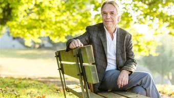 Setzt sich für die Literatur ein: Werner Bänziger, Vorsitzender der Brugger Literaturkommission, ist Lehrer an der Kantonsschule Wettingen.
