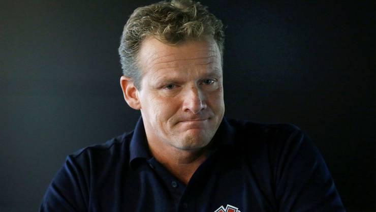 Die Tränen des verhinderten Nationaltrainers: Vor etwas mehr als einem Jahr durfte Kevin Schläpfer Biel nicht verlassen. Jetzt wurde er entlassen.keystone