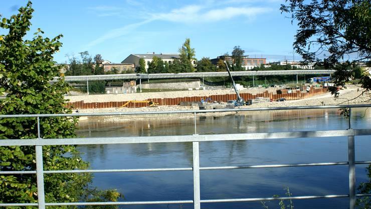 Ob ein neuer Steg über den Rhein dort gebaut wird, wo einst die alte Eisenbrücke stand, ist fraglich.  ach