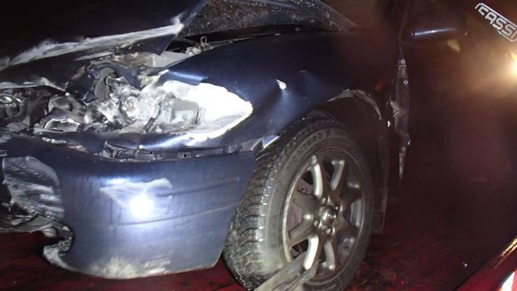 Bei der Autobahneinfahrt Eiken löste ein 56-jähriger Autofahrer einen Unfall aus.