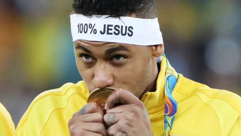 Happy End für Brasiliens Fussballer und die Sportnation im Allgemeinen: Neymar küsst seine olympische Goldmedaille