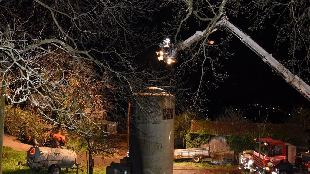In der Nacht auf Samstag brannte in Marbach ein Silo.