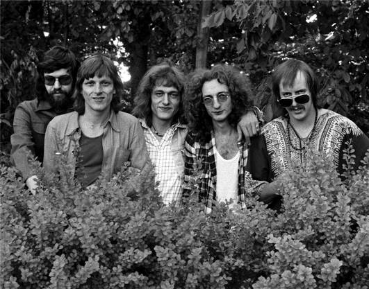 von links: Milan Popovich (Bass), Polo Hofer (Gesang), Hanery Amman (Piano), Schifer Schafer (Gitarre) und Kurt Guedel (Schlagzeug)