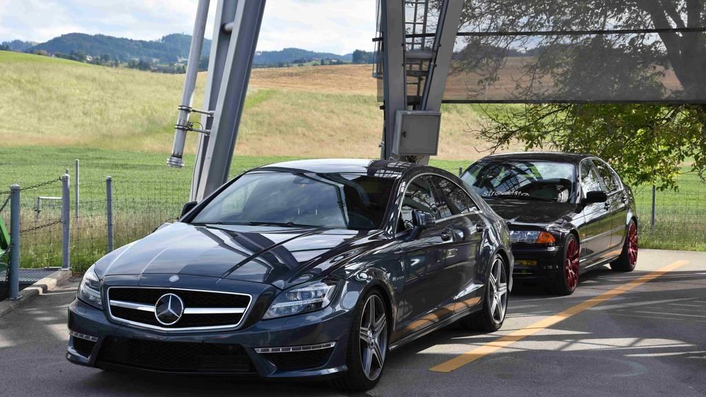 St.Galler Polizei zeigt Poser an – fünf Autos stillgelegt