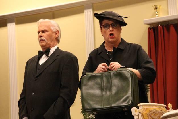 Butler und Haushälterin wollen ausziehen