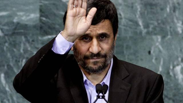 Mahmud Ahmadinedschad will mit dem Papst zusammen spannen (Archiv)