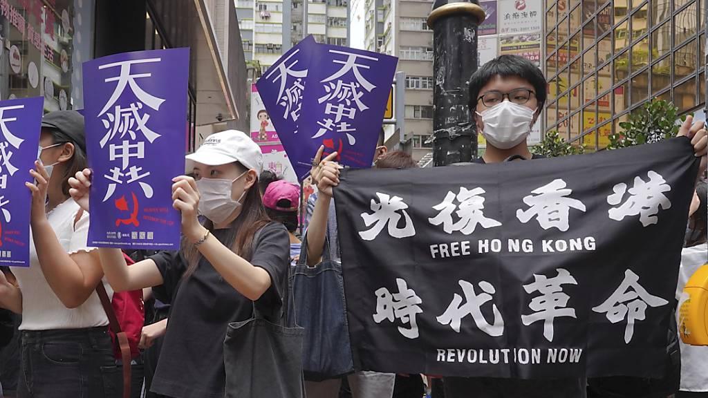 Polizei setzt bei neuen Protesten in Hongkong Tränengas ein