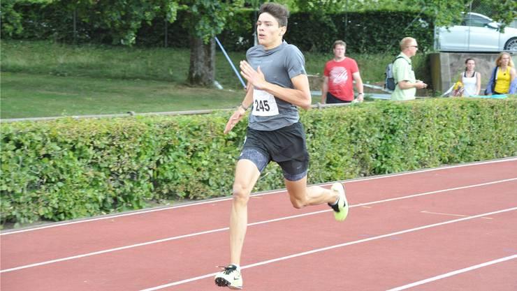 Ryan Wyss überzeugt bei seinem 400-m-Debüt.