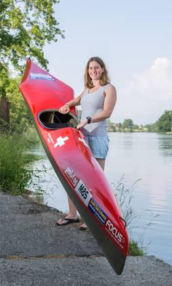 Die 23-jährige Kanutin Melanie Mathys aus Solothurn trainiert pro Woche sieben- bis achtmal auf dem Wasser.