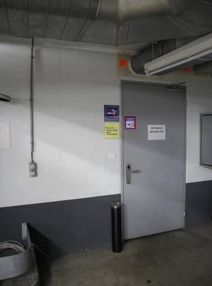 Eingang in der Tiefgarage.