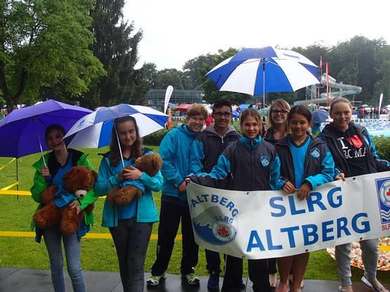 Die Teams der Sektion Altberg beim Einzug der Sektionen!
