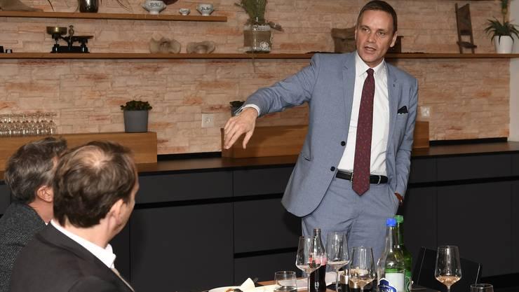 Regierungsrat Jean-Pierre Gallati sprach als Gast beim Sponsoringevent des TV Endingen.