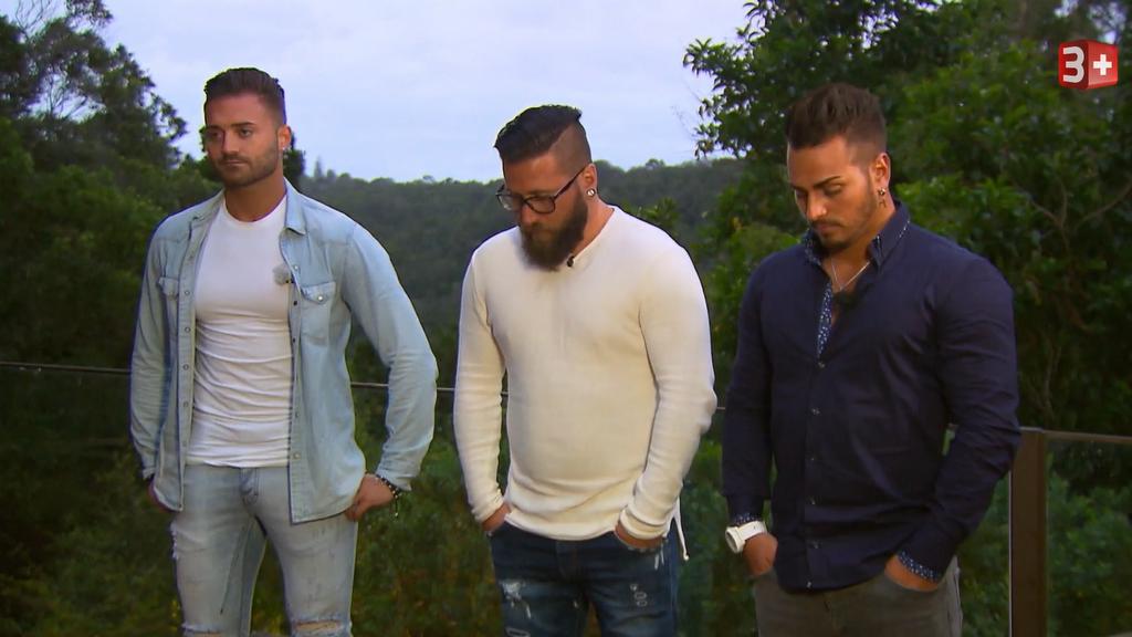 3plus / Die drei Kandidaten Dom, Mike und Jay warten auf das Urteil der Bachelorette