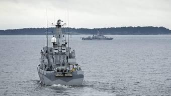 Vergangenen Herbst suchten Schiffe nach einem vor Schweden gesichteten U-Boot - nun fanden Taucher ein auf Grund gelaufenes fremdes U-Boot. (Archiv)