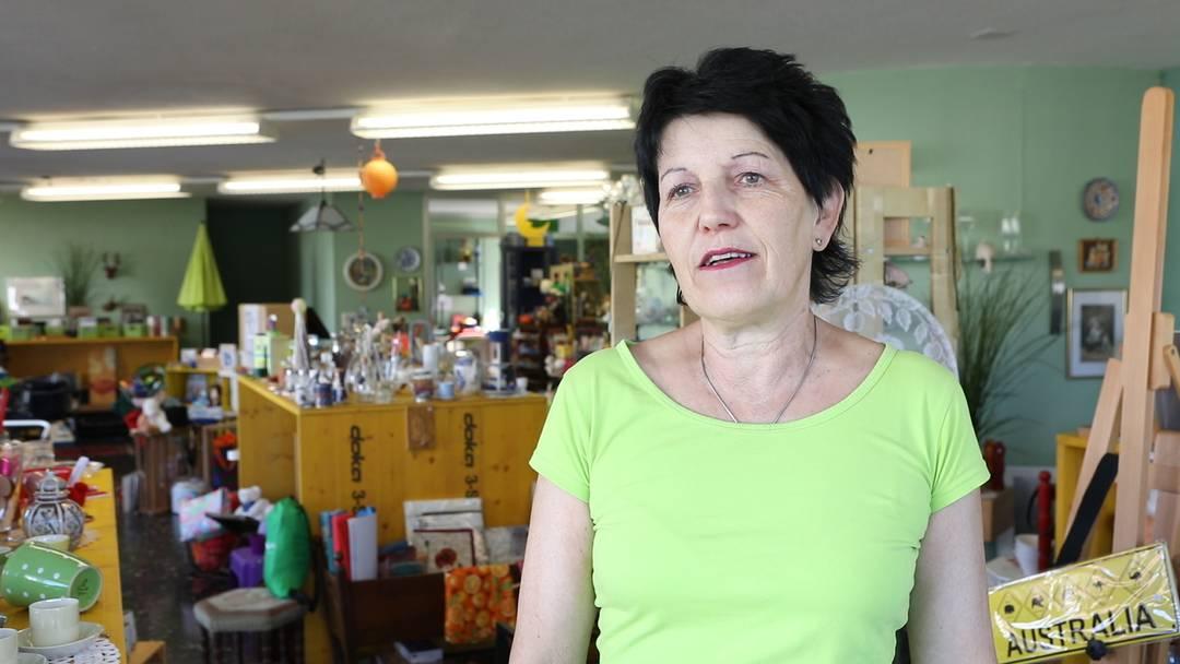 «Es gibt Tausende von Geschichten, warum die Leute kaufen, was sie kaufen»: Lisa Zehnder vom Brocki «Dies & Das» in Neuenhof über Kunden, Dekoration und ihr Erfolgsmodell