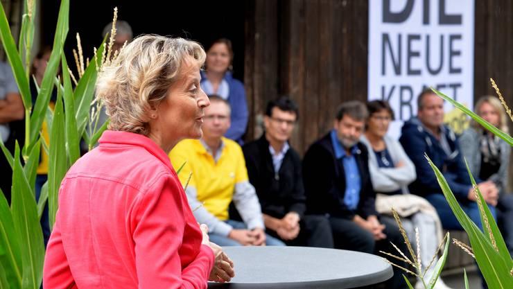 Als die BDP-Welt noch heil war, empfing BDP-Kantonsrat Markus Dietschi (im gelben T'shirt) auf seinem Hof in Selzach auch Bundesrätin Eveline Widmer-Schlumpf zum Brunch.