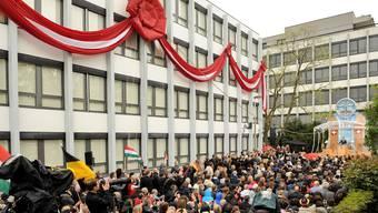 Eröffnung des neuen Scientology-Zentrums im Iselin-Quartier wird von Demonstration begleitet