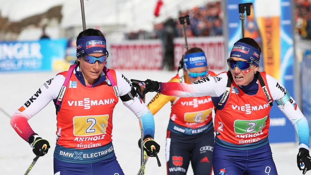 Die angestrebte Medaille verpasst: Selina (re.) und Aita Gasparin in der Frauenstaffel.