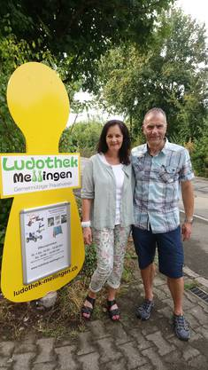 Hinweisschild mit Susanne und Konrad Herzog Lastech AG