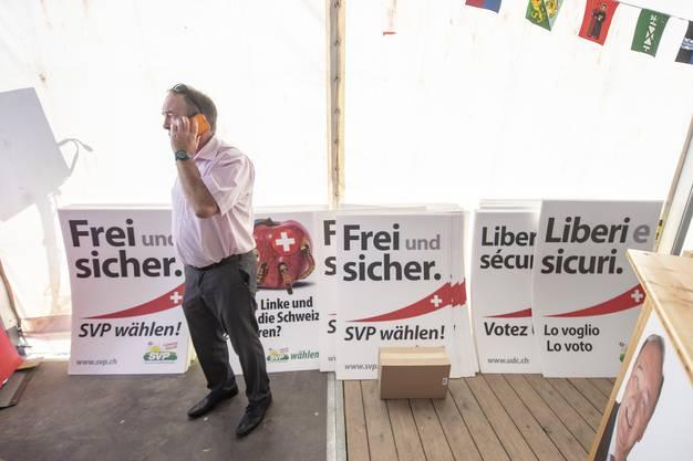 SVP Wahlplakate stehen bereit anlaesslich des Parteifests und Wahlauftakts der SVP Schweiz.