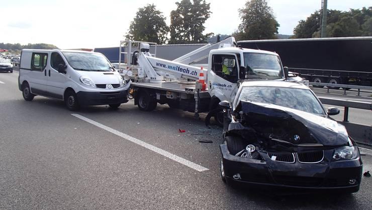 Auf der Autobahn A1 ereigneten sich am Mittwoch zwei Auffahrunfälle.