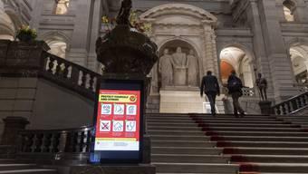 Prävention im Bundeshaus: Ab Montag wird die laufende Session der Eidgenössischen Räte vorerst ausgesetzt.
