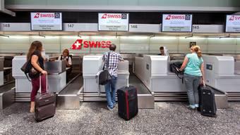 Beim steigenden Verbrauch natürlicher Ressourcen – etwa dem Fliegen in die Ferien – hat die Schweiz Handlungsbedarf.