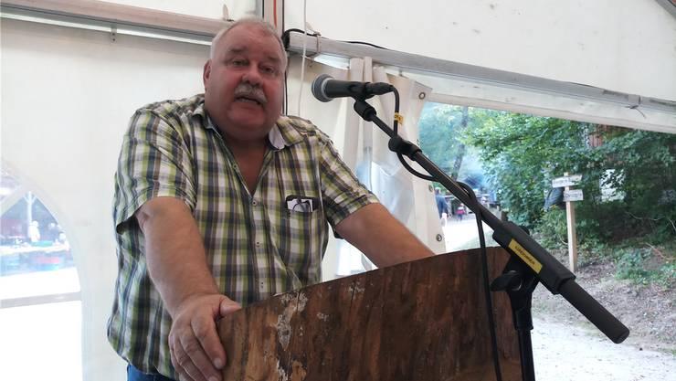 Forstbetriebsleiter Richard Plüss stand bei seiner Rede zu seiner Verabschiedung das Wasser in den Augen.