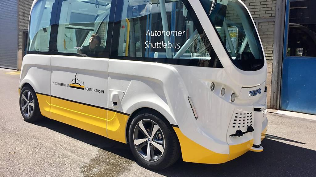 Mit dem selbstfahrenden Bus zum Rheinfall