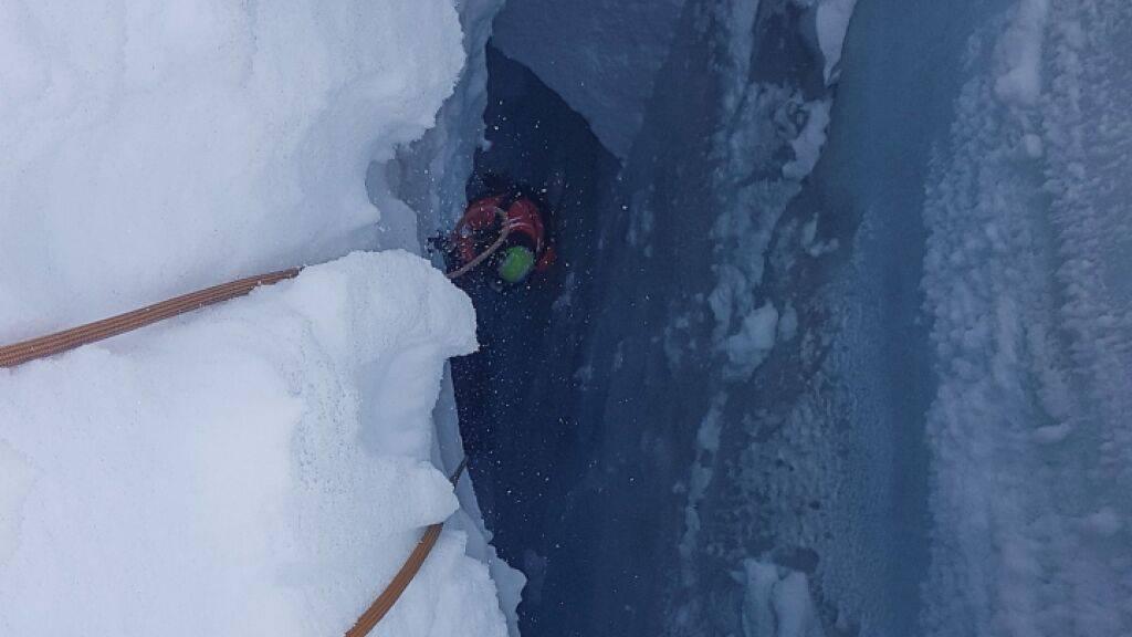 Skitourenfahrer am Gwächtenhorn aus Gletschterspalte gerettet