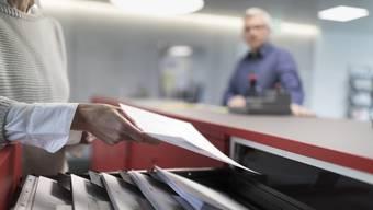 Bereits im März hat die Coronakrise Spuren hinterlassen. So ist die Arbeitslosenquote in der Schweiz auf 2,9 Prozent gestiegen.