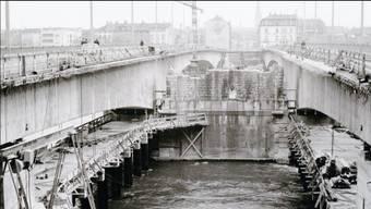 Um welche Basler Brücke es sich hierbei wohl handelt?