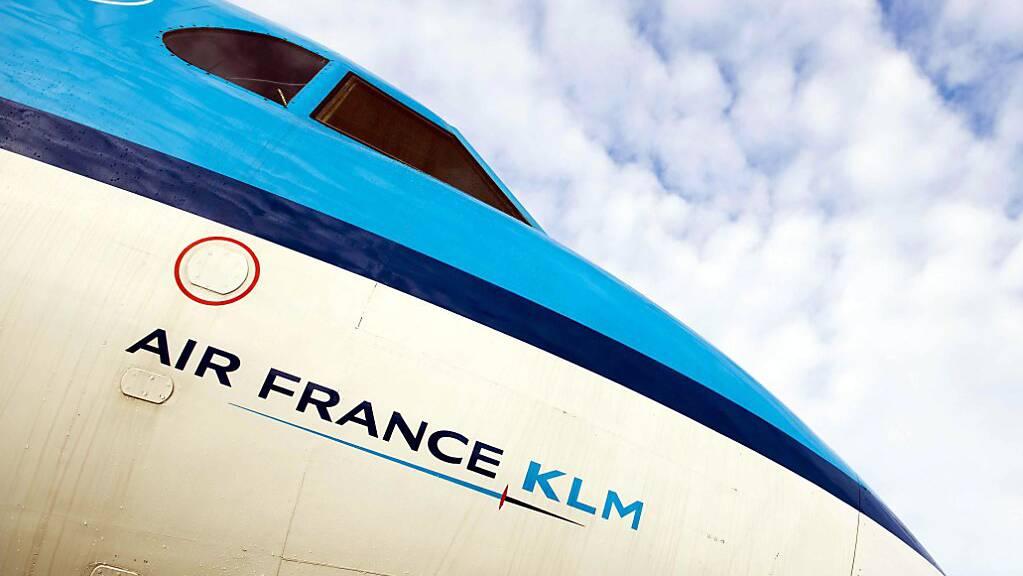 Der französisch-niederländische Flugkonzern hofft nun auf eine Erholung des Reiseverkehrs. (Archivbild)