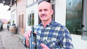 Der «Grenzgänger»-Wein von Christian Jäggi aus Biel-Benken sorgt bei kantonalen Ämtern für Kopfweh. (Archivbild)